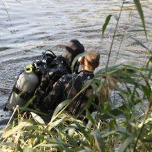 Šalčininkų rajone tęsiama iš valties iškritusių dviejų vyrų paieška
