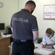 Lietuvoje paskiepyta 2,4 tūkst. policijos pareigūnų