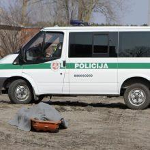 Kėdainių rajone rastas vyro kūnas su nubrozdinimais