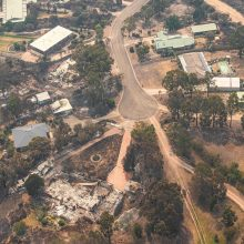 Australiją sekina krūmynų gaisrai: žmonės bėga iš liepsnų apimtų teritorijų