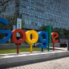 """""""Google"""" atlyginimų ir darbuotojų samdymo diskriminacijos byloje sumokės 2,6 mln. dolerių"""