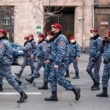 ES ragina Armėnijos kariuomenę nesikišti į šalies politinius reikalus