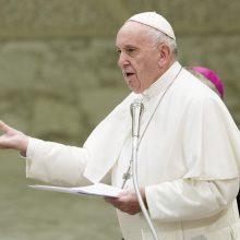 Italijoje prasidėjus kovai dėl valdžios popiežius perspėja dėl kylančio nacionalizmo