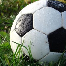 Sušvelninus karantino ribojimus, atnaujinamas šalies futbolo čempionatas