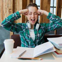 Tyrimas: klasės ir namų darbai Lietuvos paaugliams kelia daugiausia streso Europoje