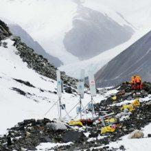 Įkopė į Everestą ir įdiegė 5G ryšį