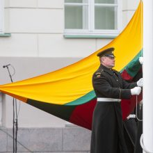 Sostinėje tūkstančiai žmonių Vasario 16-ąją paminėjo tradicinėje eisenoje