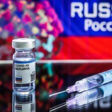 Žinia apie rusišką vakciną nuo COVID-19 pasaulyje sutikta skeptiškai