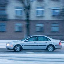 Kauną nuklojo baltas sniego patalas, vairavimo sąlygos – sudėtingos