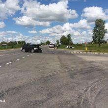 Praėjęs savaitgalis keliuose: automobilių susidūrimai, nuvažiavimai nuo kelio
