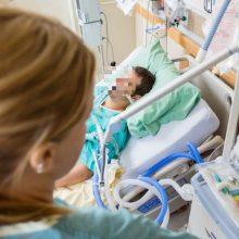 Kaune gydomas mįslingomis aplinkybėmis sunkiai sužalotas vyras