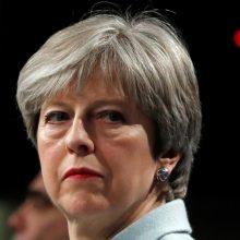 """""""The Times"""": Britanijos premjerė gali atsistatydinti jau penktadienį"""