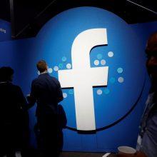 """""""Twitter"""" ir """"Facebook"""" imsis veiksmų, kad užkirstų kelią manipuliavimui rinkėjais"""