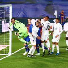 """El Clasico"" mūšyje – K. Benzemos klasė, apmaudus rikošetas ir sunki ""Real"" pergalė"