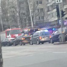 Skaudi nelaimė sostinėje: troleibuso pervažiuotas vyras mirė po jo ratais
