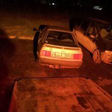 Kretingos keliuose siautėjo girti vairuotojai: vieną teko traukti iš griovio