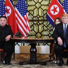 Šiaurės Korėja po nutraukto viršūnių susitikimo siūlo tolesnes derybas