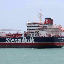 """Iranas pradėjo tyrimą dėl D. Britanijoje registruoto tanklaivio """"susidūrimo"""""""
