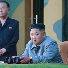 Žiniasklaida: Pchenjano raketų paleidimui vadovavo Kim Jong Unas