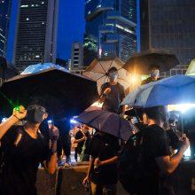 Dešimtys tūkstančių žmonių susirinko į mitingą Honkonge