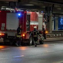"""Pavakarės aliarmas: ugniagesiams pranešta apie gaisrą """"Akropolio"""" aikštelėje"""