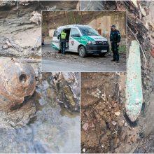Sprogmenų arsenalo išgarsintas Aleksoto upelis – vėl akiratyje: su radiniais žaidė vaikai