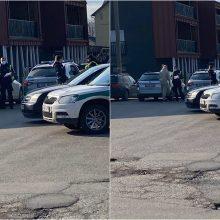 """Fiksuoja kauniečiai: prie Aleksoto """"Šilo"""" – policijos sujudimas"""