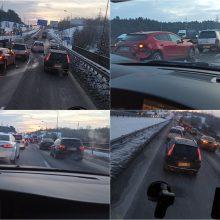 """Rytas vėl spūstyse: prie """"Megos"""" – trijų automobilių avarija"""