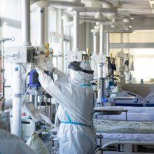 COVID-19 sirgusi moteris mirė nuo kitų ligų: kodėl pateko į viruso aukų sąrašą?