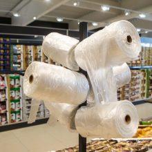 Svarstys, ar uždrausti pardavinėti plastiko maišelius