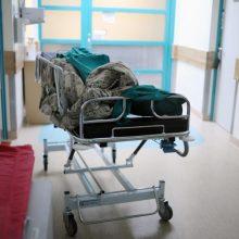 Panevėžio ligoninėje – girtos ir agresyvios moters šou: teko sulaikyti
