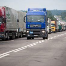 Derybos dėl vežėjų algų vyksta apgulties sąlygomis