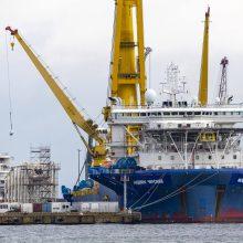 """Rusija planuoja po beveik metų pertraukos atnaujinti """"Nord Stream 2"""" tiesimą"""