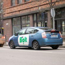 """Situacija: ne visi """"Bolt"""" vairuotojai turi reikiamus draudimo dokumentus, tad įvykus nelaimei, jiems tektų žalą atlyginti iš savo kišenės."""