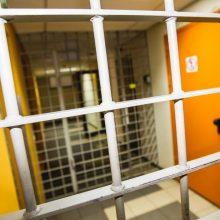 Išteisino sulaikytojo kankinimu kaltintus pareigūnus