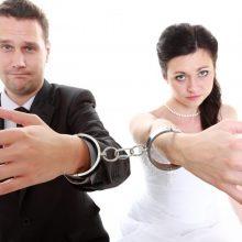 Tyrimas: gyventojai pritaria taikiam santuokos nutraukimui pas notarą
