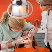 Kodėl tokios aukštos odontologijos kainos?