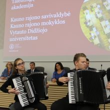 """Talentingiausi pakaunės moksleiviai pradėjo """"studijas"""" VDU"""