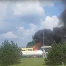 Kas kaltas, kad apdegė paauglė ir suaugęs vyras? Baigiamas gaisro degalinėje tyrimas