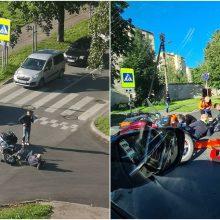 J. Žemgulio gatvėje partrenktam motociklininkui – atviras lūžis