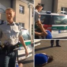 Pareigūno veiksmai šokiruoja: po keiksmų lavinos jaunuolį sviedžia į tarnybinę mašiną