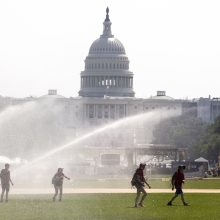 JAV ir Kanadą užplūdo alinančio karščio banga