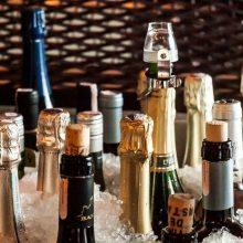 Dėl prekybos alkoholiu siūloma savivaldybėms suteikti daugiau teisių