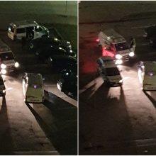 Šilainiuose pareigūnai krėtė jaunuolių automobilį: gresia rimti nemalonumai