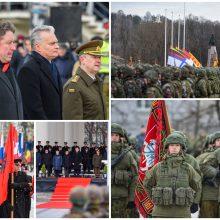 Vilniuje kariniu paradu paminėtos 101-osios kariuomenės metinės