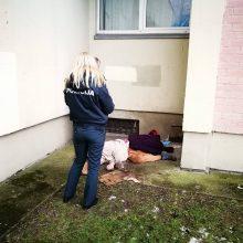 Klaipėdoje namo kieme rastas vyro lavonas
