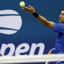 """Serbas N. Džokovičius dėl traumos pasitraukė iš """"US Open"""" turnyro"""