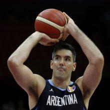 Parako dar turi: Argentinos pergalė pažymėta istoriniu L. Scola pasirodymu