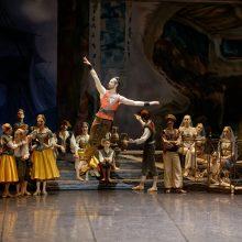 Baleto šokėjas J. Laucius: princas esu tik scenoje