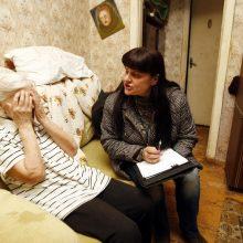 Graudu: ramybės savo gyvenimo saulėlydyje neturinti 90-metė atsakinėjo į inspektorių klausimus.